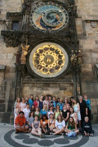 2009 Group in front of clock